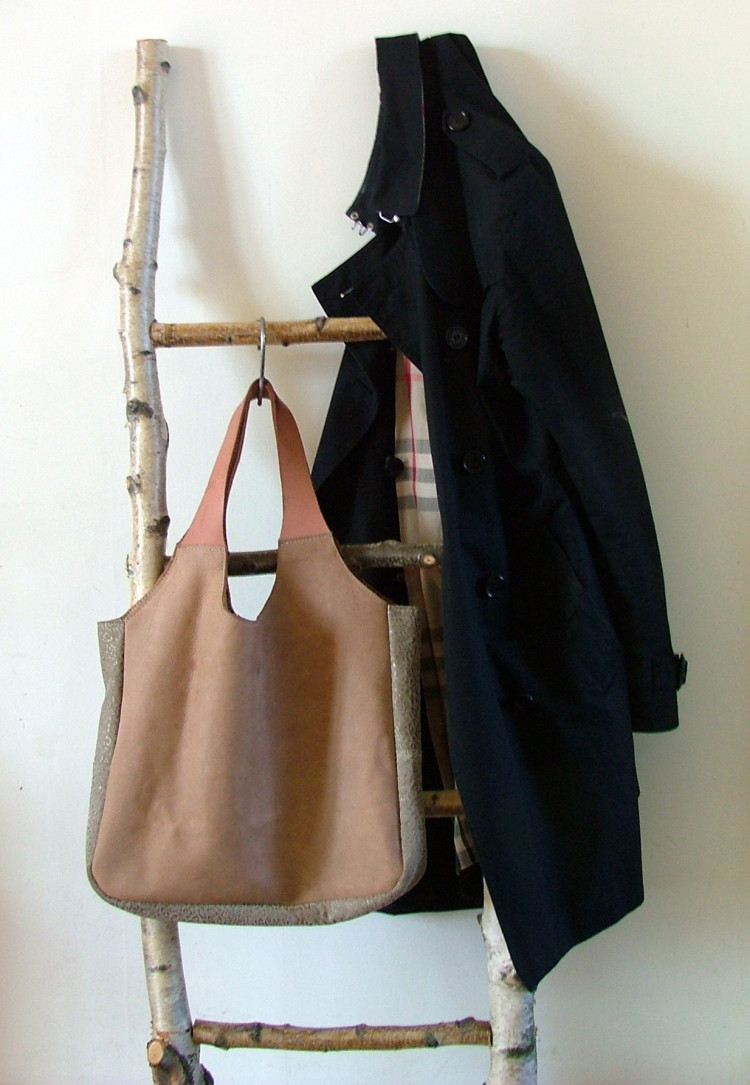 light brown leather shopper