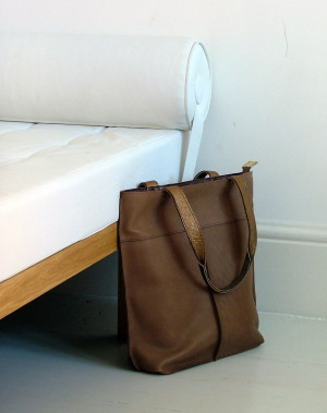 sturdy camel leather shopper