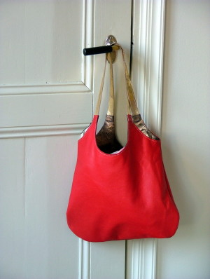 red shopper bronze leather