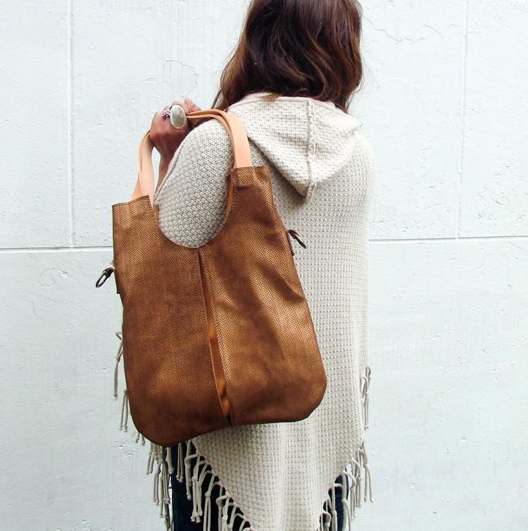 shoulder bag with removable long strap