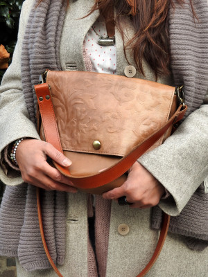 Two tones shoulder bag